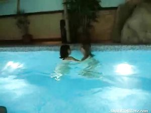 Nude Swimming Babes Have Lesbian Sex Poolside