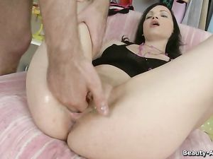 Teen Cunt Fucked As He Stretches Out Her Asshole