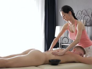 Best Massage Ever Ends In Fucking And A Big Cumshot