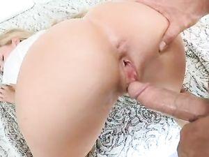 Petite Blonde Honey Loves Fucking Long Schlongs
