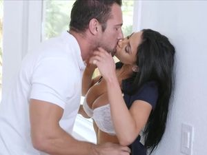 Taking Home His Golf Babe For Great Afternoon Sex