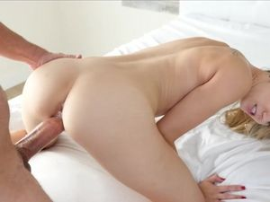 Big Man And A Tiny Blonde Beauty Have Hot Morning Sex
