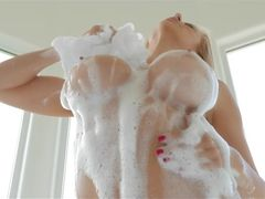 Alexis Fawx Makes Incredible Reverse Cowgirl Porn